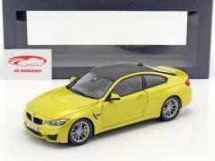 BMW M4 Coupé (F82) Austin gele 1:18 ParagonModels