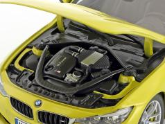 BMW M4 Coupe (F82) austin jaune 1:18 ParagonModels