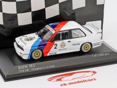 BMW M3 (E30) #2 DTM チャンピオン 1987 Eric van de Poele 1:43 Minichamps