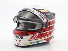 Lewis Hamilton Mercedes GP formel 1 2018 hjelm 1:2 Bell