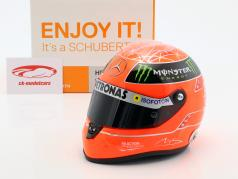Michael Schumacher Mercedes GP fórmula 1 2012 casco 1:2 Schuberth