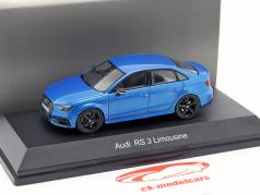 Audi RS 3 Limousine azul metálico 1:43 iScale