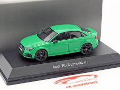 Audi RS 3 Limousine verde 1:43 iScale