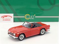 Triumph TR5 P.I. ano de construção 1967 vermelho 1:18 Cult Scale