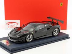 Ferrari 488 Challenge zwart met vitrine 1:18 LookSmart