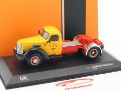 International Harvester KB7 Bouwjaar 1948 geel / rood / zwart 1:43 Ixo