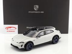 Porsche Mission E Cross Turismo Bouwjaar 2018 wit-grijs met vitrine 1:18 Spark