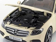 Mercedes-Benz Classe E taxi (W213) AMG Line ivoire clair 1:18 iScale