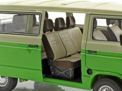 Volkswagen VW T3 公共汽车 建造年份 1979-82 绿 / 米色 1:18 Schuco