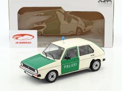 Volkswagen VW Golf 1 Politie Bouwjaar 1974 groen / Wit 1:18 Solido