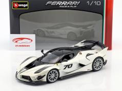 Ferrari FXX-K Evoluzione #70 año de construcción 2018 blanco metálico / negro 1:18 Bburago