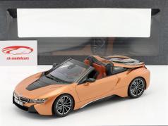 BMW i8 Roadster año de construcción 2018 cobre metálico / negro 1:18 Minichamps