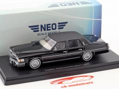 Cadillac Fleetwood Brougham Baujahr 1978 schwarz 1:43 Neo