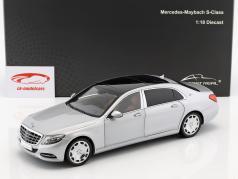 Mercedes-Benz Maybach S-Klasse Bouwjaar 2016 iridium zilver 1:18 Almost Real