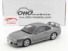Nissan Silvia spec-R AERO (S15) Bouwjaar 1999 mousserend zilver 1:18 OttOmobile