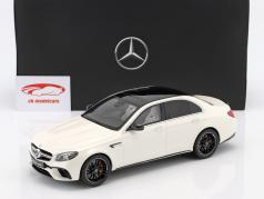 Mercedes-Benz AMG E 63 S 4MATIC  Baujahr 2017 designo diamond weiß bright 1:18 GT Spirit