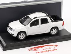 Renault Duster Oroch año de construcción 2015 blanco 1:43 Norev