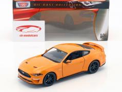 Ford Mustang GT 5.0 V8 year 2018 orange 1:24 MotorMax