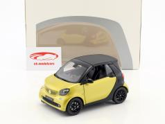 Smart fortwo Cabriolet (A453) 黄色 / 黒 1:18 Norev