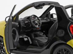 Smart fortwo Cabriolet (A453) geel / zwart 1:18 Norev