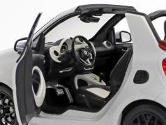 Smart fortwo Cabriolet (A453) ホワイト / 赤 1:18 Norev