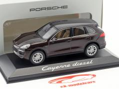 Porsche Cayenne (958) E2 II Diesel 2014 mahagoni braun metallic 1:43 Minichamps