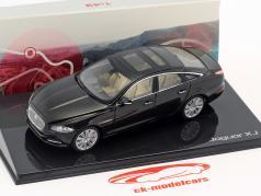 Jaguar XJ (X351) ano de construção 2009 ametista preto 1:43 Ixo