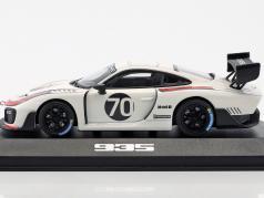 Porsche 935 #70 2018 (基于 上 911 (991.2) GT2 RS) 1:43 Minichamps