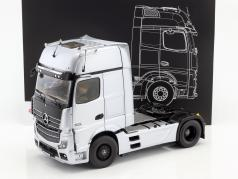 Mercedes-Benz Actros Gigaspace Edition 1 trattore hightech argento 1:18 NZG