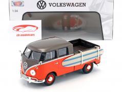 Volkswagen VW Type 2 T1 Pick up with surfboard black / orange 1:24 MotorMax