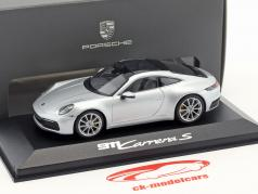 Porsche 911 (992) C2S 轿跑车 建造年份 2019 dolomit 银 金属的 1:43 Minichamps