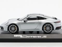 Porsche 911 (992) C2S coupe Bouwjaar 2019 dolomit zilver metalen 1:43 Minichamps
