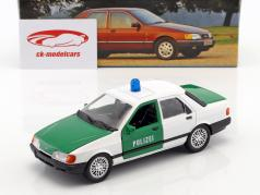 Ford Sierra Sapphire politi grøn / hvid 1:24 Schabak