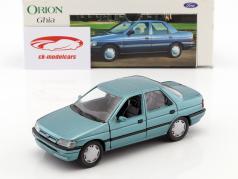 Ford Orion Ghia verde metallico 1:24 Schabak