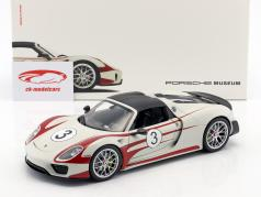 Porsche 918 Spyder #3 Salzburg Design white / red 1:18 Welly