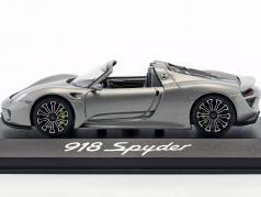 Porsche 918 Spyder 建造年份 2013 liquid metal 银 1:43 Minichamps