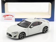 Toyota GT 86 RHD år 2012 White 1:18 AUTOart