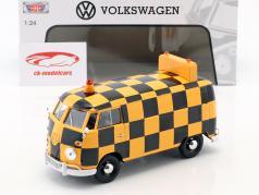 Volkswagen VW Type 2 T1 van Airport Runway appelsin / sort 1:24 MotorMax
