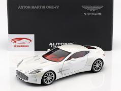 Aston Martin One 77 Year 2009 morning frost white 1:18 AUTOart