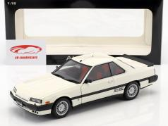 Nissan Skyline Hardtop 2000 Turbo Intercooler RS-X (DR30) RHD blanc AUTOart 1:18