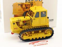 tractor cadena T100 M3 amarillo 1:32 Schuco