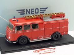 Mercedes-Benz LPKO 311 Pullman TLF 16 vigili del fuoco rosso 1:43 Neo