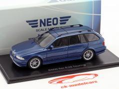 BMW 520 Touring (E39) Bouwjaar 2002 blauw metalen 1:43 Neo