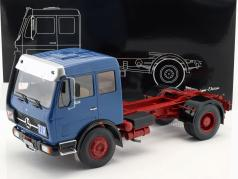 Mercedes-Benz NG73 1632 tractor year 1974 blue / red 1:18 Premium ClassiXXs