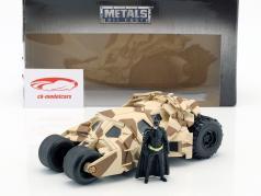 Batmobile から インクルード フィルム The Dark Knight 2008 とともに Batman フィギュア 1:24 Jada Toys