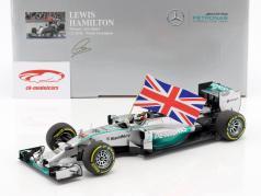 L. Hamilton Mercedes F1 W05 Hybrid #44 verdensmester Abu Dhabi GP F1 2014 med flag 1:18 Minichamps