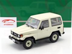 Toyota Landcruiser BJ70 ano de construção 1984 branco 1:18 Cult Scale