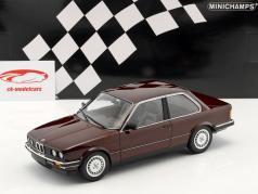 BMW 323i (E30) Bouwjaar 1982 purper metalen 1:18 Minichamps