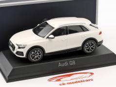 Audi Q8 année de construction 2018 blanc 1:43 Norev