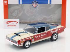 Plymouth Barracuda Sox & Martin Baujahr 1968 rot / weiß / blau 1:18 Geenlight